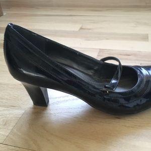 Black Patent Leather pumps size 7M